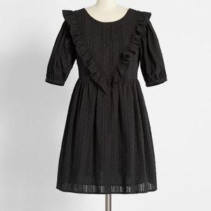 🌹 MODCLOTH Frill Seeker Babydoll Dress
